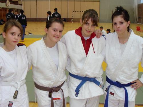 kadetkinje-jk-pulafita-na-ekipnom-ph-split-20091